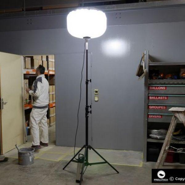 éclairage travaux de peinture par ballon éclairant LED Sirocco 2S TBT 48v 60w Industrie éclairage autonome sur batterie proposé par prolutech