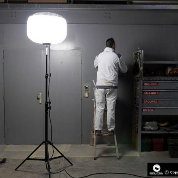 éclairage peintre par ballon éclairant Airstar LED 48v Industrie proposé par Prolutech