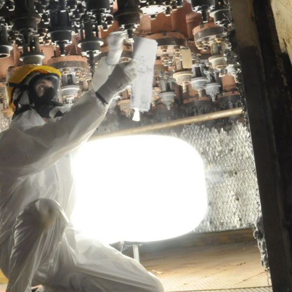 Eclairage industriel en centrale nucléaire par ballon éclairant Airstar distribué par Prolutech