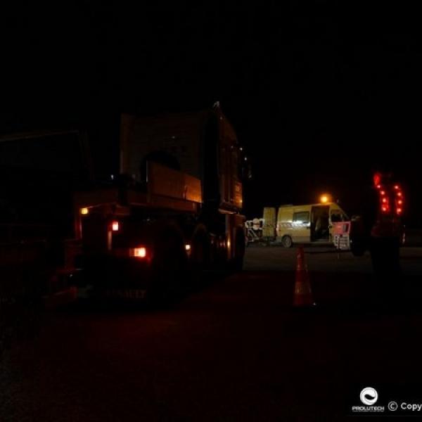 Sécurité active sur les chantiers de nuit grace au gilet de sécurité à LED proposé par prolutech